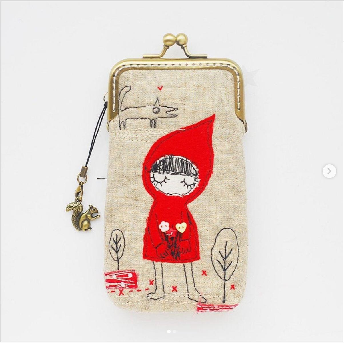 pochette chaperon rouge